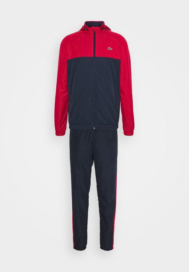 TRACK SUIT - Survêtement - navy blue/ruby/white