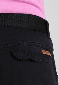 INDICODE JEANS - MONROE - Shorts - black - 4