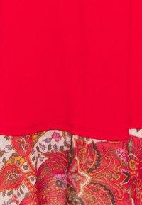 Desigual - Robe en jersey - red - 6