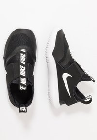 Nike Performance - FLEX RUNNER UNISEX - Obuwie do biegania treningowe - black/white - 0
