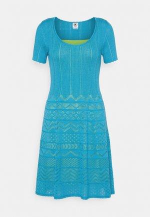 ABITO - Gebreide jurk - mottled teal