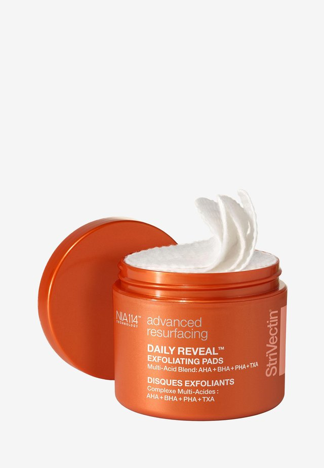 DAILY REVEAL™ EXFOLIATING PADS - Ansigtsrens - -