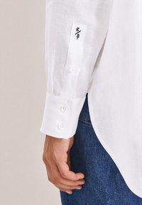 Seidensticker - Button-down blouse - weiss - 3