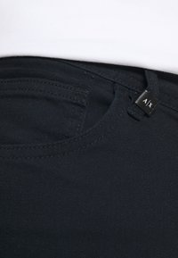 Armani Exchange - 5 POCKET PANT - Džíny Slim Fit - navy - 3