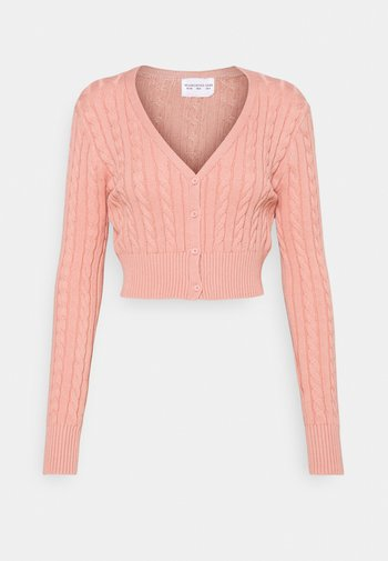 CABLE KNIT CROPPED