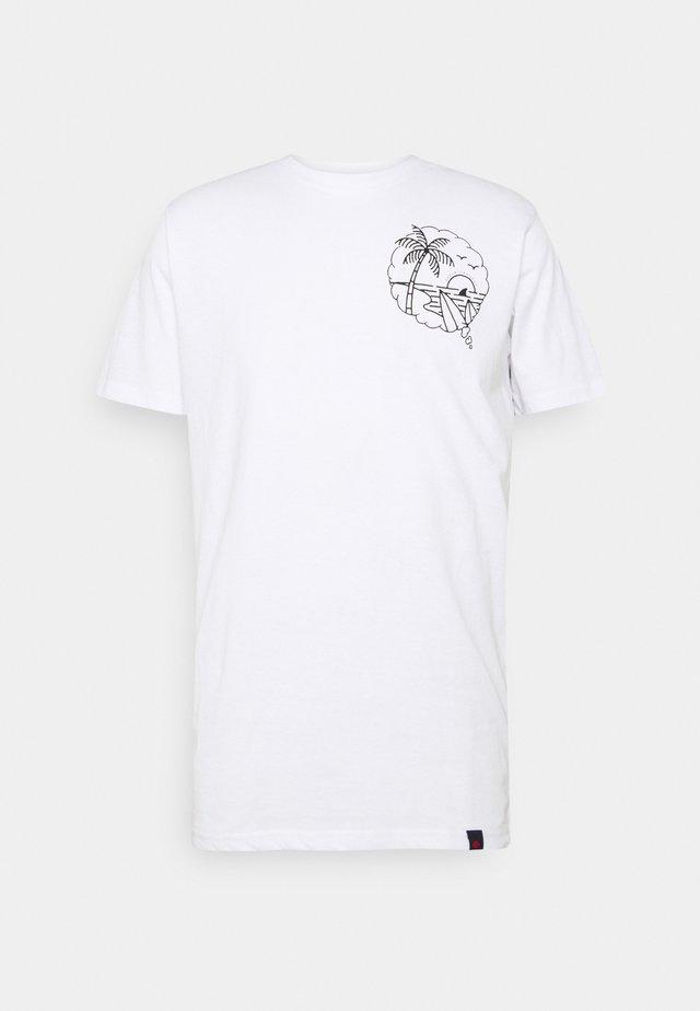 SUMMER TEE - Print T-shirt - white