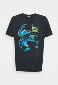 Vintage Supply - VINTAGE WHALES GRAPHIC UNISEX - Print T-shirt - snow washed black - 0