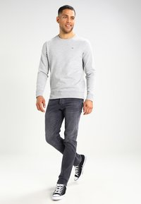 Tommy Jeans - ORIGINAL - Bluza - light grey heather - 1