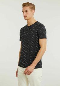CHASIN' - MONO - Print T-shirt - black - 2