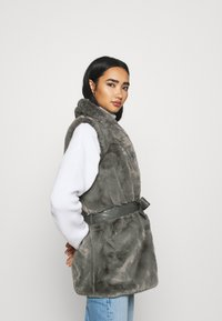 ONLY - ONLOLLIE WAISTCOAT - Waistcoat - charcoal gray - 3