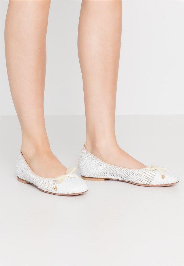LORENA - Ballet pumps - bianco/beige