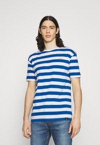 Newport Bay Sailing Club - BOLD HORIZONTAL STRIPE 2 PACK - Print T-shirt - grey marl/mid blue - 1