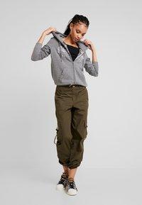 Hollister Co. - CORE FULL ZIP - Mikina na zip - grey - 1