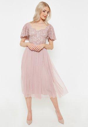 MARINA EMBELLISHED SEQUINS - Koktejlové šaty/ šaty na párty - frosted pink
