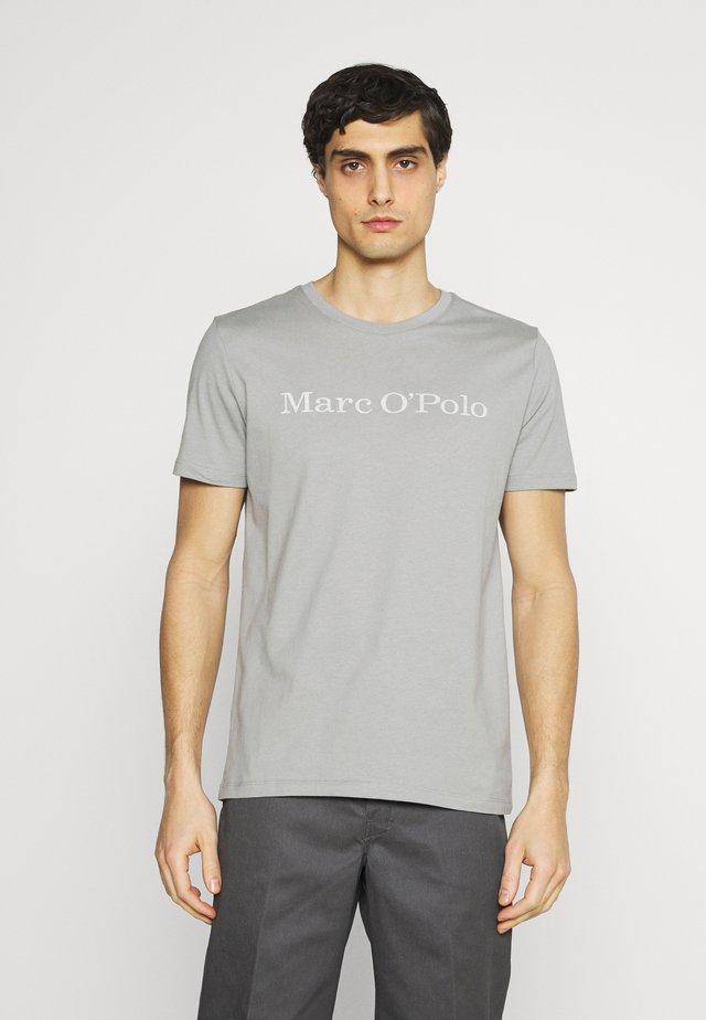 SHORT SLEEVE - Print T-shirt - griffin