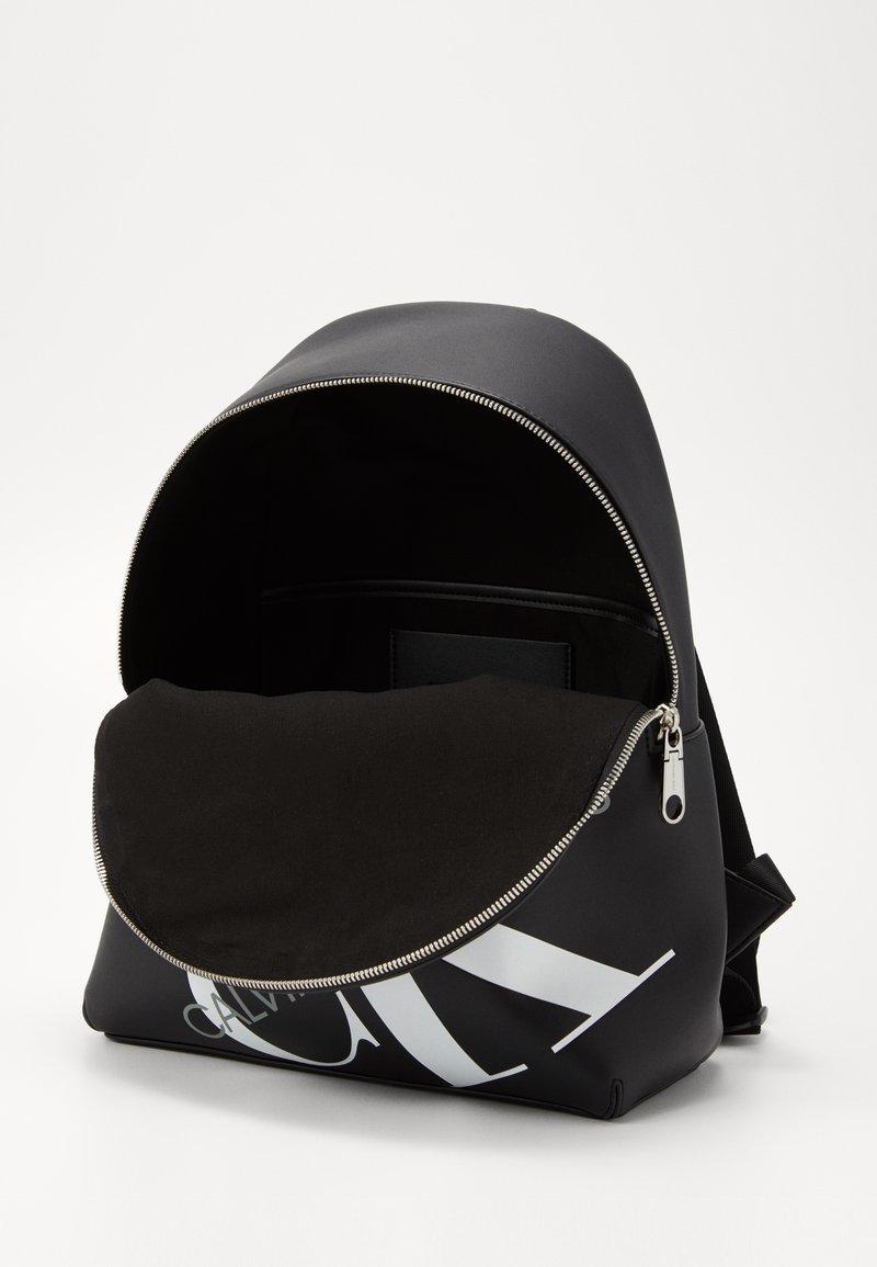 Calvin Klein Jeans - ROUNDED  - Rucksack - black