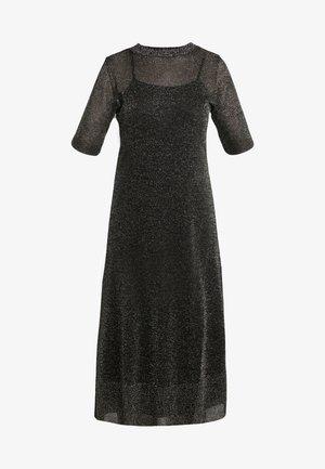POSTA - Pletené šaty - bronze
