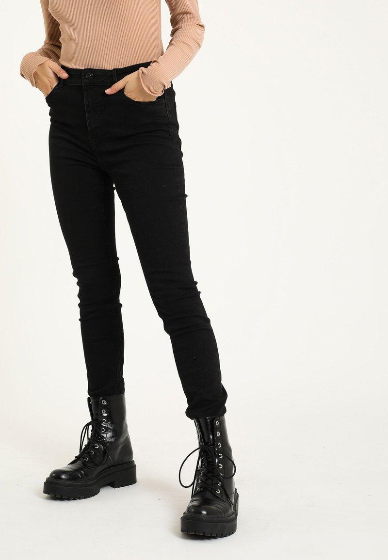 Pimkie - Jeans Skinny Fit - schwarz