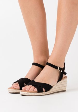 WIDE FIT PRAWN - Wedge sandals - black