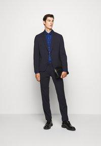 Michael Kors - POPLIN SLIM - Shirt - royal blue - 1