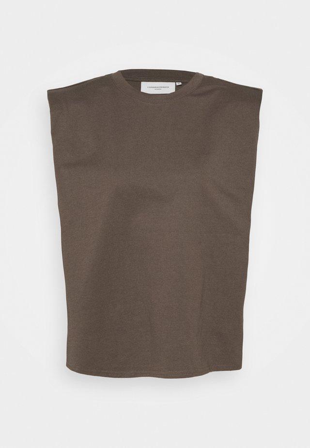 TEE - Topper - major brown