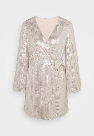 NECK WRAP DRESS - Vestito elegante - nude silver