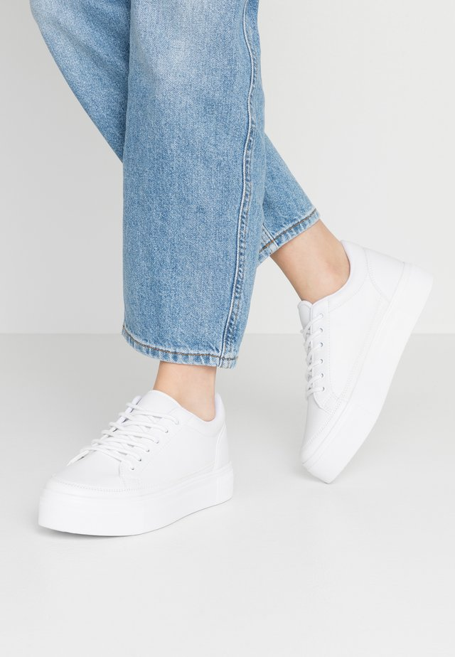 PERFECT PLATFORM - Sneakers laag - white