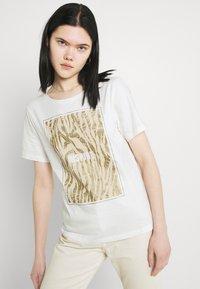 b.young - BXSILLI - Print T-shirt - birch mix - 3