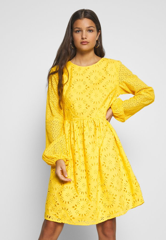 BRODERIE DRESS - Vestido informal - yellow