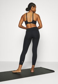 Sweaty Betty - CONTOUR WORKOUT LEGGINGS - Leggings - black - 2