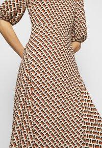Diane von Furstenberg - NELLA - Denní šaty - chain caffe - 7