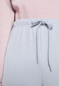 Pieces - PCCHILLI PANTS - Tracksuit bottoms - kentucky blue - 4