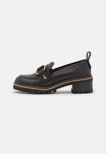 ERINE - Nazouvací boty - black