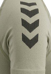 Hummel - Sports shirt - london fog - 5