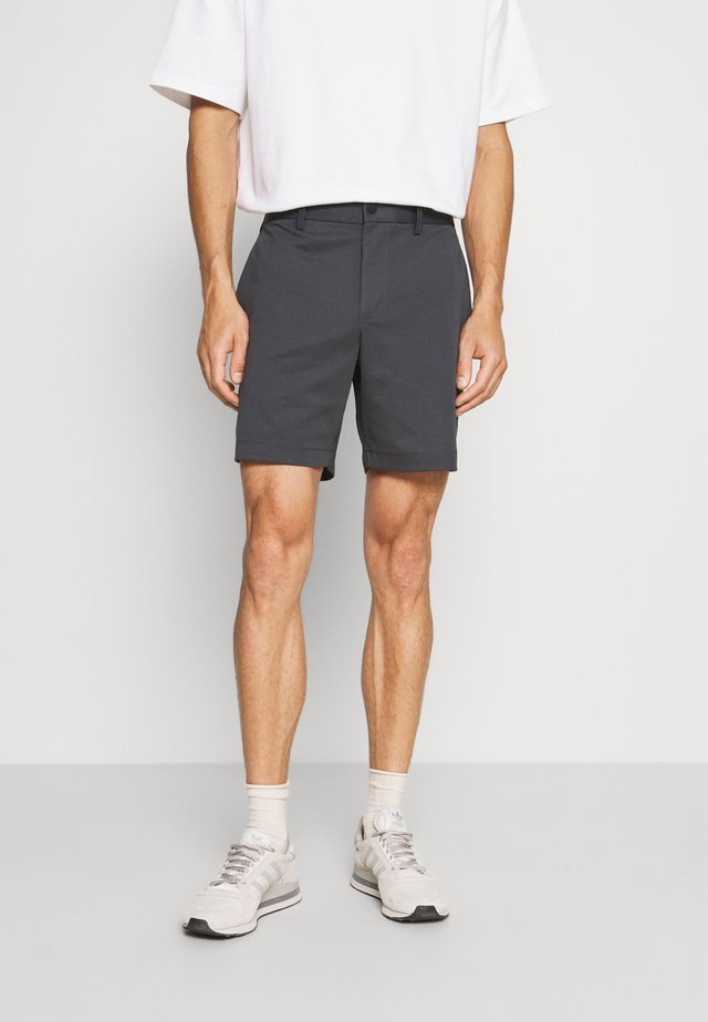 INCH LUXE CITY - Shorts - pebble blue global
