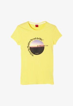 MIT FOTOPRINT - Print T-shirt - yellow