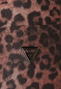 Guess - SEXY CURVE - Trousers - iconic leopard brown - 5