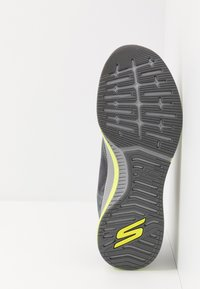 Skechers Performance - GO RUN PULSE - Laufschuh Neutral - charcoal/lime - 4
