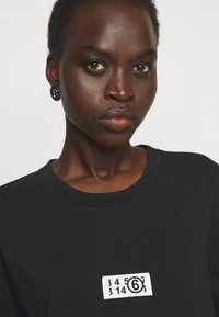 MM6 Maison Margiela - Print T-shirt - black - 3