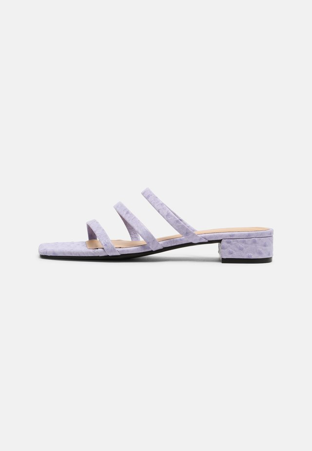 Pantofle - purple