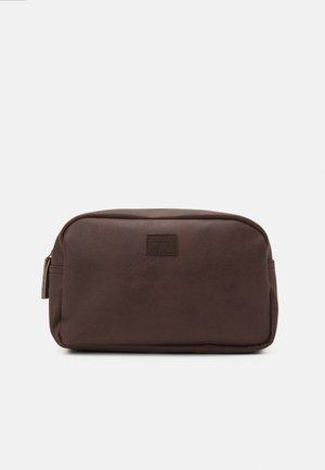 JACCARLO TOILET BAG - Wash bag - chocolate brown