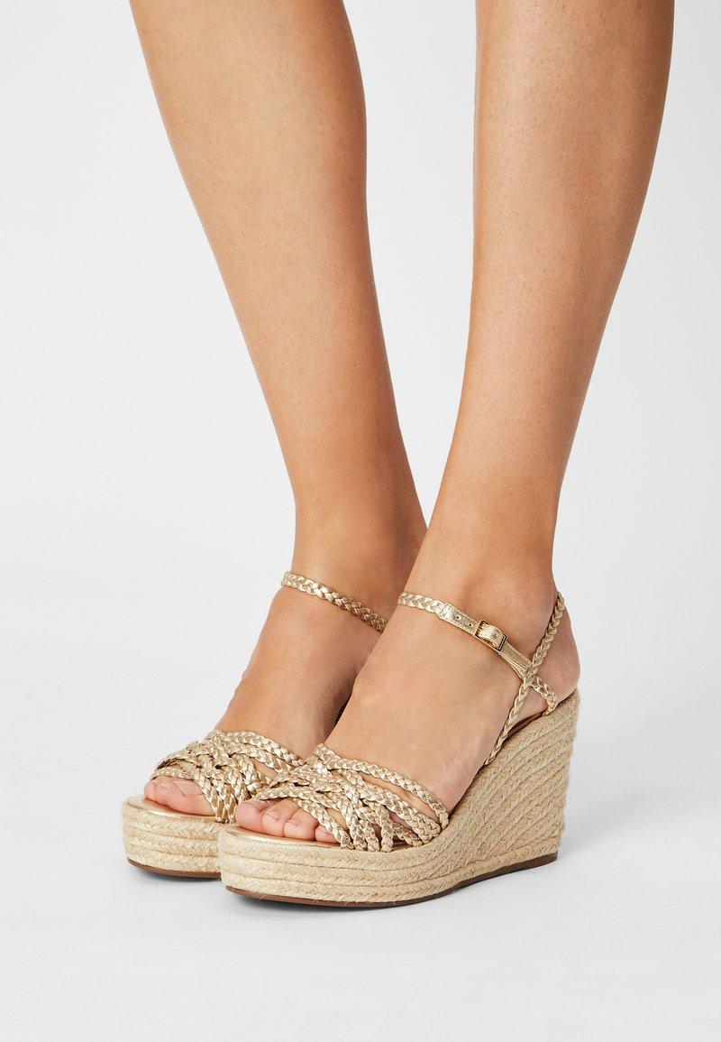 Cosmoparis - RONDINITA - Platform sandals - platine