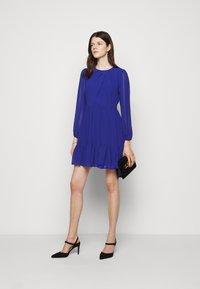 Milly - JACKIE DRESS - Shift dress - azure - 1
