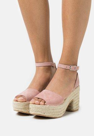 Sandales à plateforme - pink