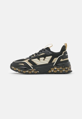 ACE RUNNER - Trainers - black