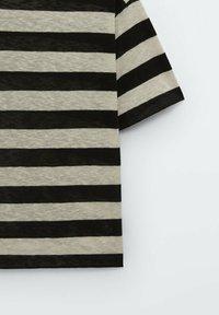 Massimo Dutti - GESTREIFTES SHIRT AUS REINER - Print T-shirt - black - 5