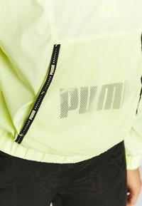 Puma - TRAIN LOGO QUARTER  - Chaqueta de entrenamiento - soft fluo yellow - 4