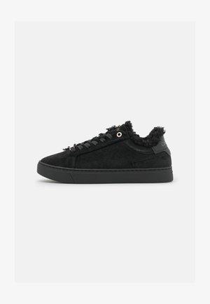 CUPSOLE LACE UP - Sneakersy niskie - triple black