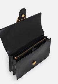Pinko - LOVE CLASSIC ICON SIMPLY  - Sac bandoulière - black - 2