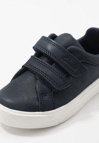 Clarks - CITY OASISLO - Trainers - dark blue - 2